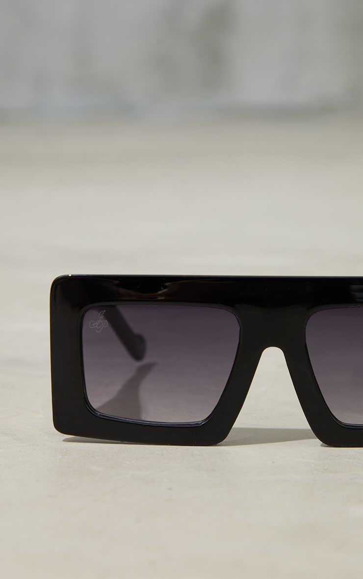 Jeepers Peepers Black Chunky Gold Side Detail Sunglasses 3