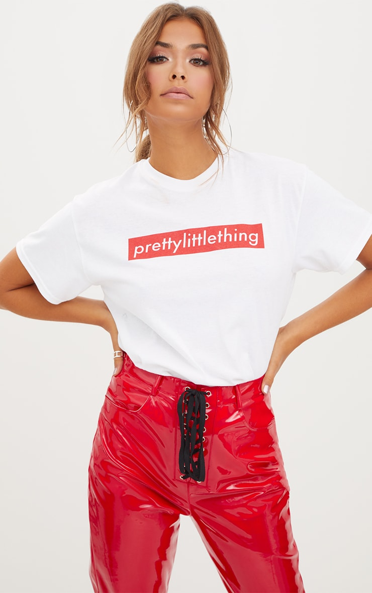 T-shirt surdimensionné blanc slogan PRETTYLITTLETHING  1