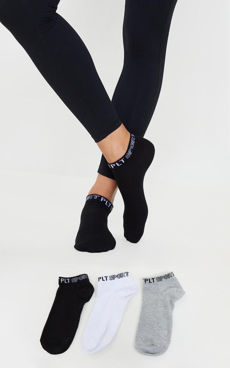 PRETTYLITTLETHING - Lot de 3 paires de chaussettes de sport noires et blanches 1