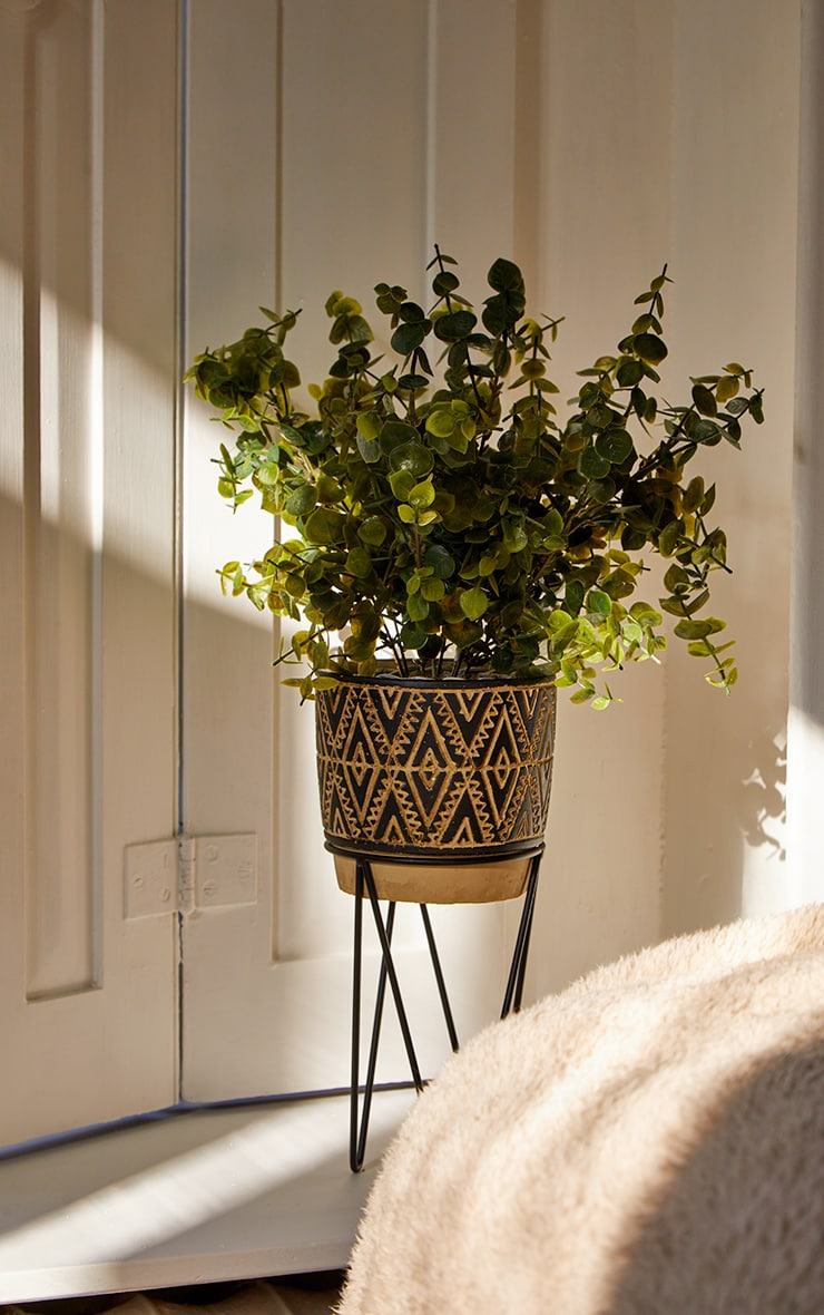 Multi Nomad Planter With Wire Stand 1