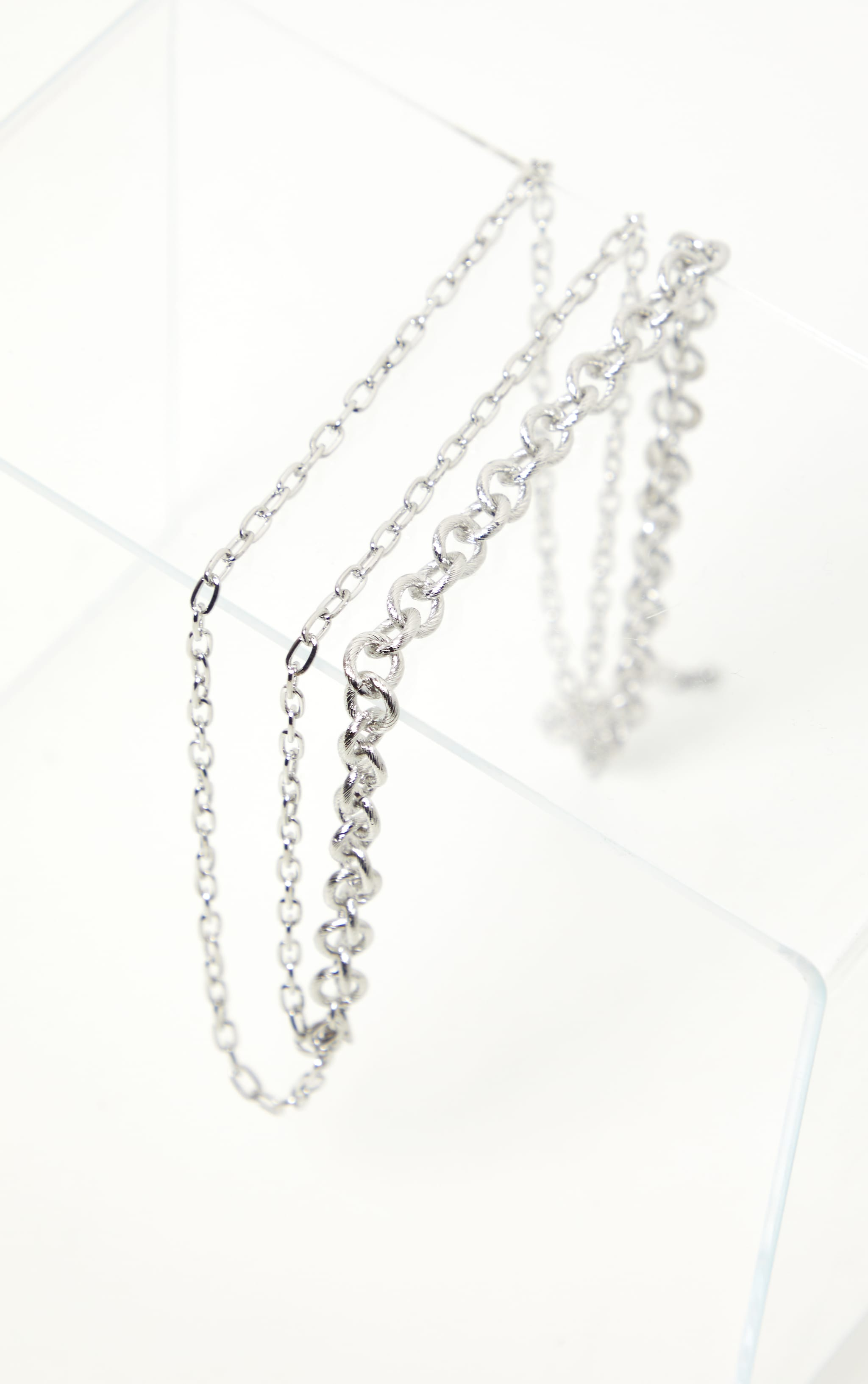 Silver Triple Chain Short Necklace 3